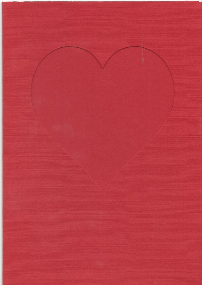 PK685-180 Red Double Fold Medium Card with Small Heart Aperture. Pack of 5 Cards.